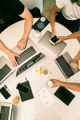 Оптимизация на сайт за мобилни устройства 4 -  комуникация