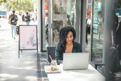 Продажби онлайн 9 - кафене