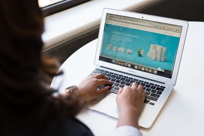 Продажби онлайн 18 -  хартия