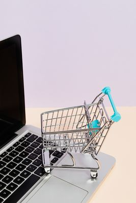 Продажби онлайн 30 - пари