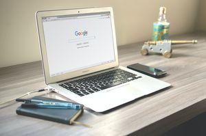Регистрация на сайт в търсачки 11 - сив лаптоп